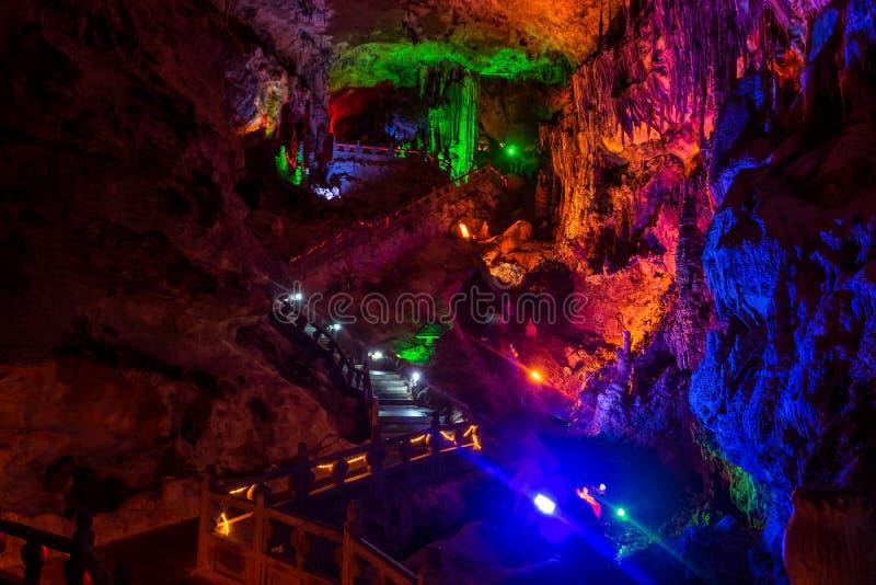 Geel Dragon Cave, Wonder van de Holen van de Wereld, Zhangjiajie, China stock foto