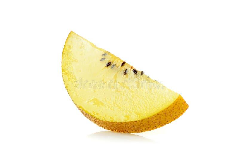 Geel gouden kiwifruit op de witte achtergrond stock foto's