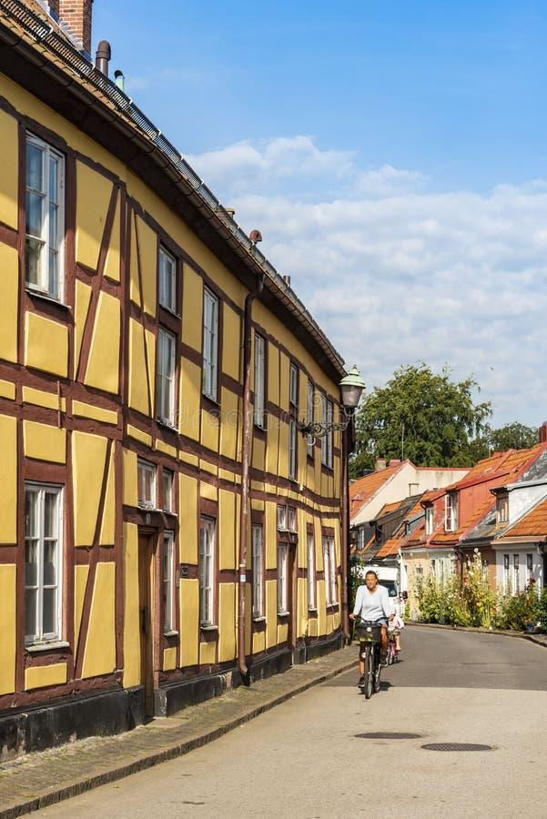 Geel helft-betimmerd woonhuis Ystad Zweden royalty-vrije stock afbeelding