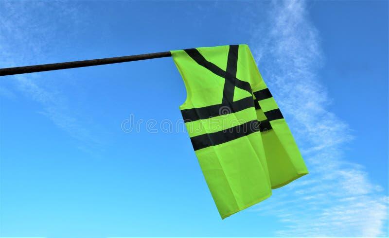 Geel vesten/van gilet jaune moviments protest tegen hogere brandstofprijzen stock foto
