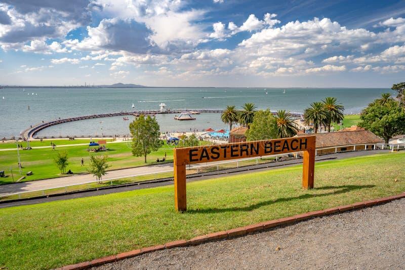 Geelong, Βικτώρια, Αυστραλία - ανατολικό πάρκο που αγνοεί τη θάλασσα στοκ εικόνες