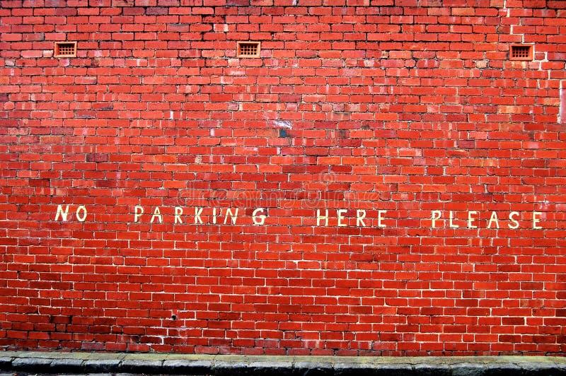 Geen parkeren hier tevreden royalty-vrije stock fotografie