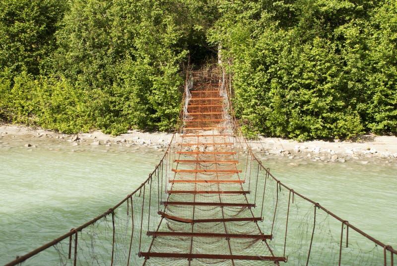 Gefährliche Brücke stockbild