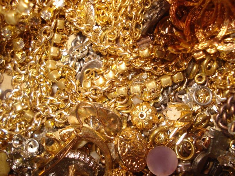 Gefälschte Goldketten lizenzfreies stockbild