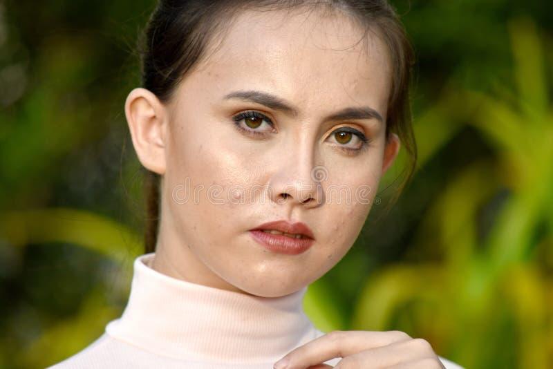 Gefühlloses Filipina Female lizenzfreie stockfotografie