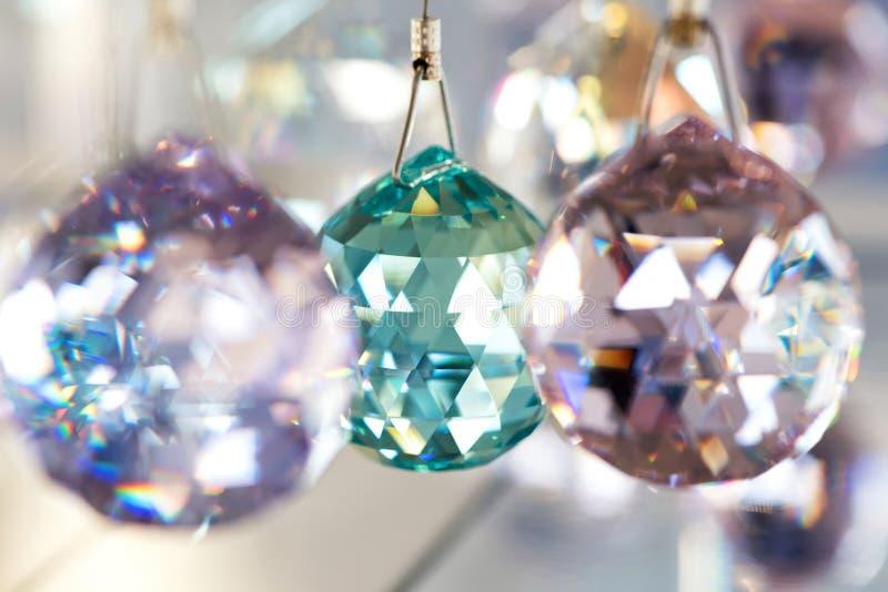 Gefacetteerde kristallen boldecoratie stock foto