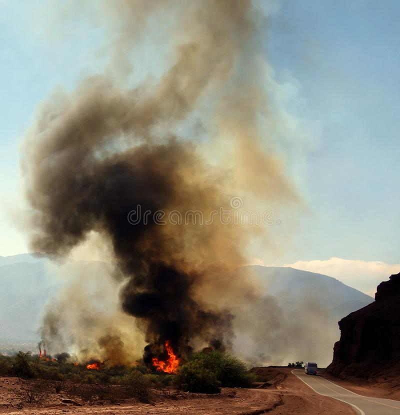 Gefahr auf der Straße - cafayate, nördlich von Argentinien lizenzfreie stockbilder
