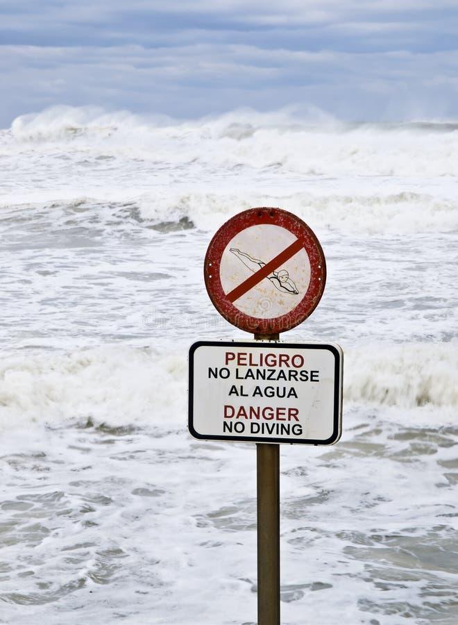Gefahr kein Tauchen stockfotografie