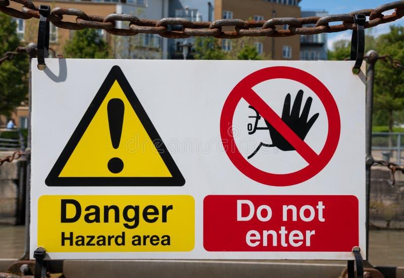 Gefahr tragen nicht Zeichen ein lizenzfreie stockfotografie