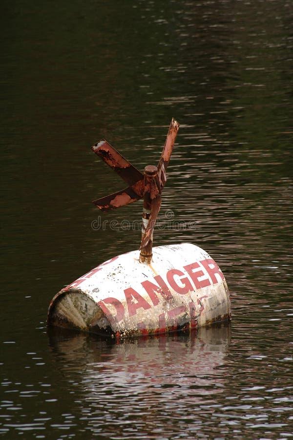 Gefahrenboje lizenzfreie stockfotografie