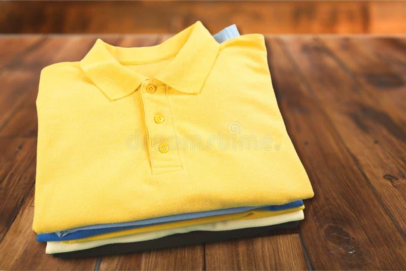 Gefaltete Kleidung stockbilder