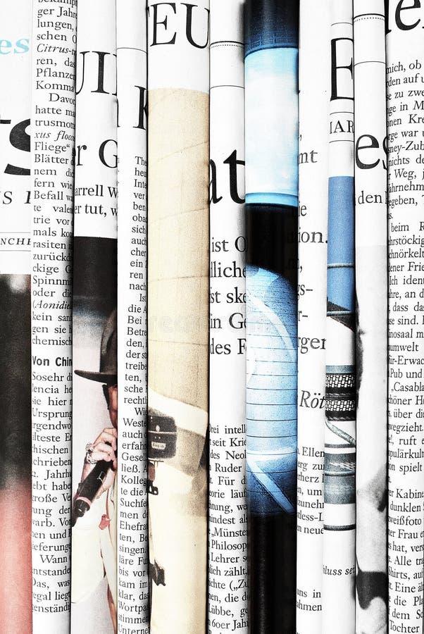 Gefaltete Zeitungen lizenzfreie stockbilder