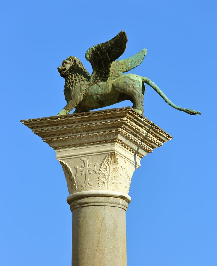 Geflügelte Löweskulptur in Venedig stockfoto