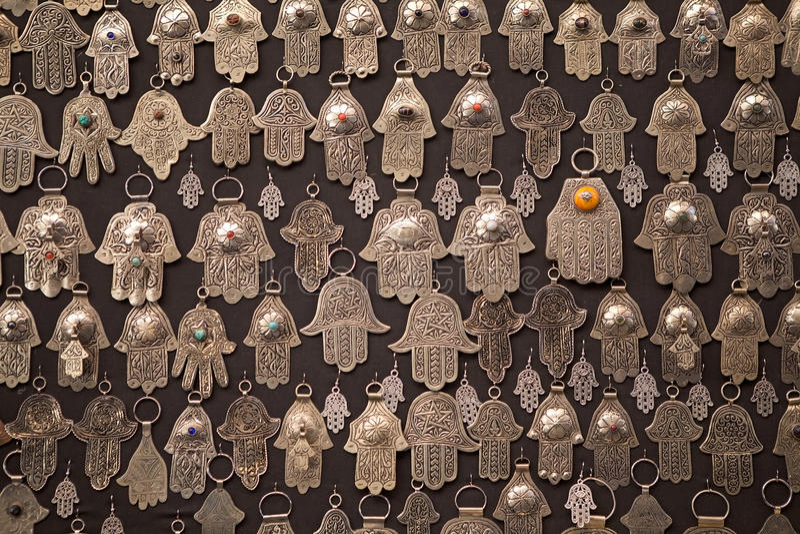 Geformte Amuletthand der Palme von Fatima stockbild
