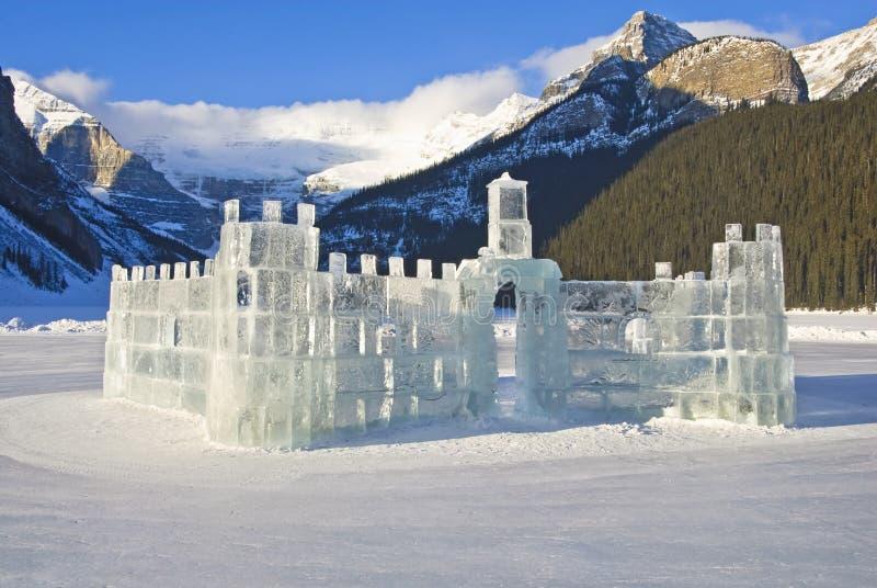 Gefrieren Sie Schloss auf Lake Louise stockbilder
