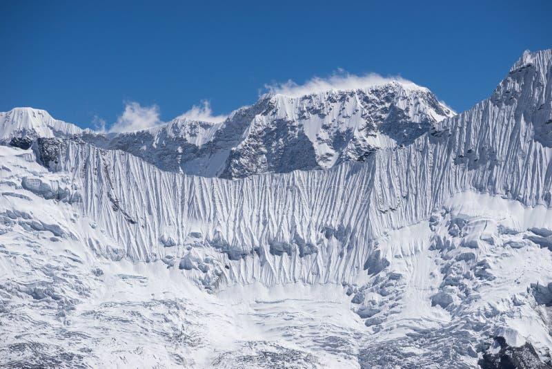 Gefrieren Sie Wand von Himalaja-Berg, Kongma-Ladurchlauf, Everest-Region, N stockfotos