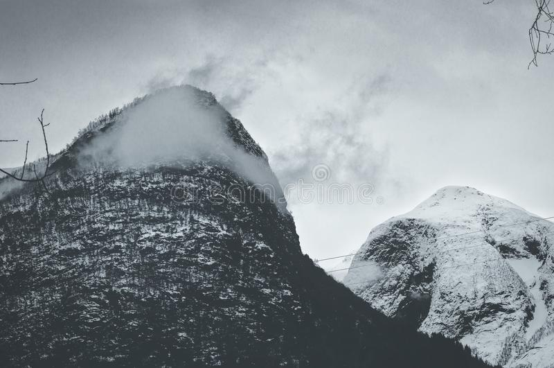 Gefrorener Berg lizenzfreie stockbilder