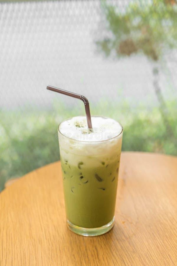Gefrorener grüner Tee mit Milch stockbilder