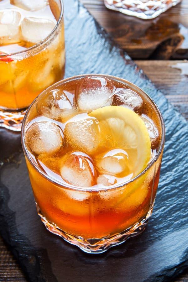 Gefrorener Tee mit Zitrone stockfoto