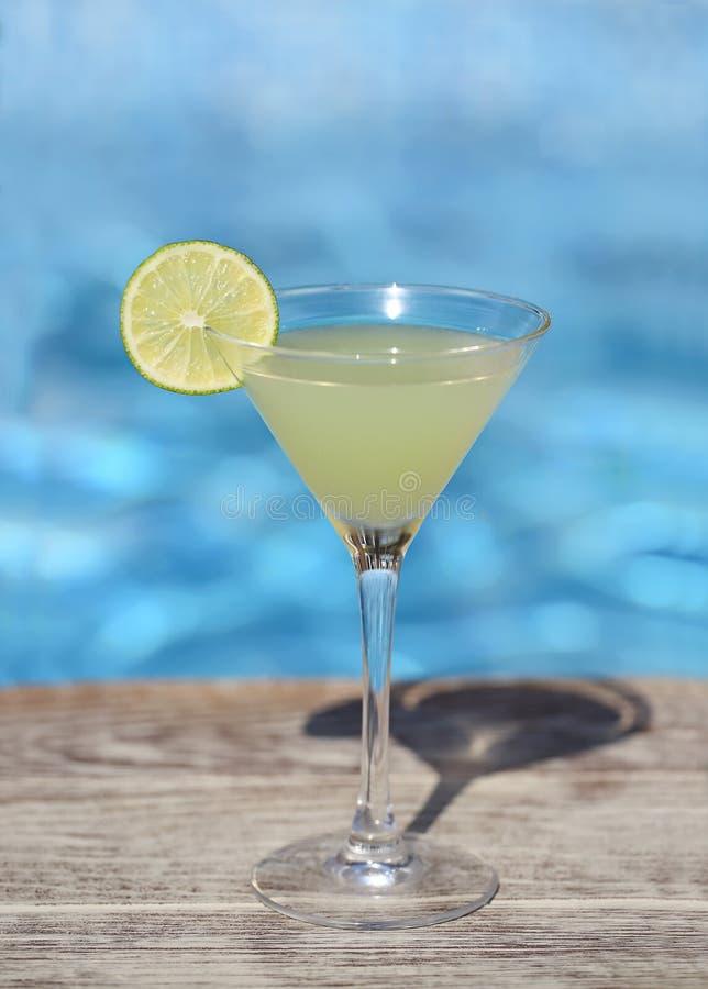 Gefrorenes Cocktail des Daiquiri mit Kalk lizenzfreie stockfotografie