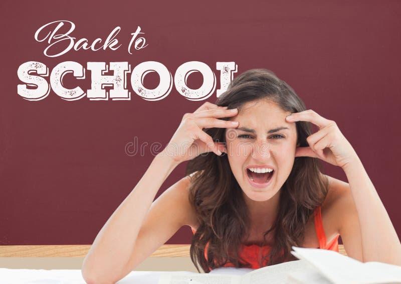 Gefrustreerd studentenmeisje bij lijst tegen rood bord met terug naar schooltekst stock illustratie