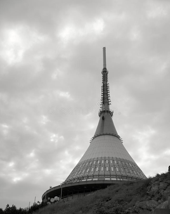 Gegekscheerde TV-toren stock foto