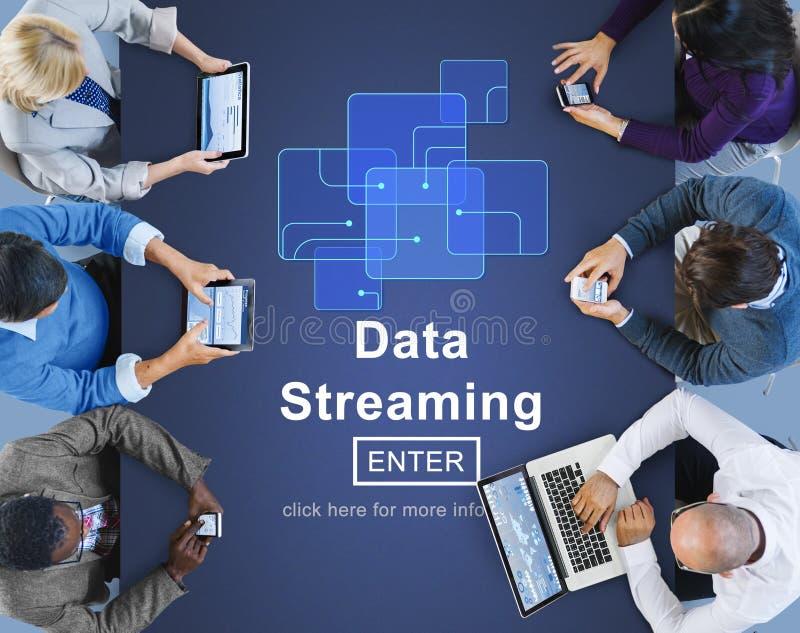 Gegevens die Online Webmedia Concept stromen stock afbeelding