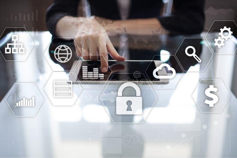 Gegevensbescherming, Cyber-veiligheid, informatieveiligheid Technologie bedrijfsconcept royalty-vrije stock foto