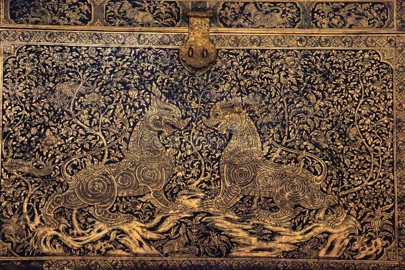 Gegraveerde schatdoos (de Cultuur van Thailand) royalty-vrije stock afbeelding
