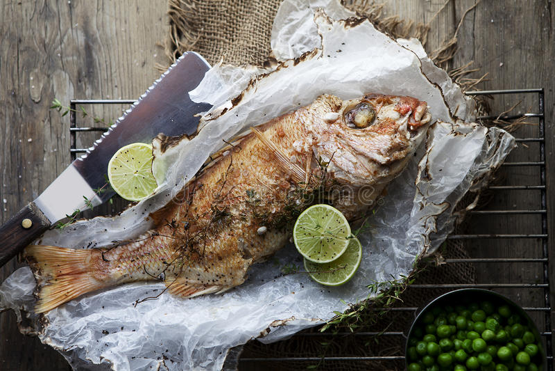 Gegrillte Fische stockfoto