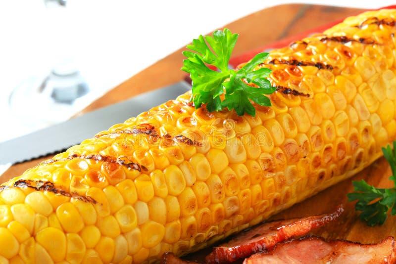 Gegrillte Maiskörner stockfoto