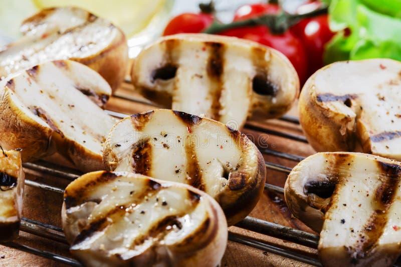 Gegrillte Pilze lizenzfreie stockbilder