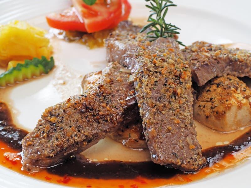 Gegrilltes Beefsteak lizenzfreie stockbilder