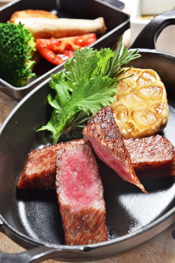 Gegrilltes Beefsteak stockfotografie
