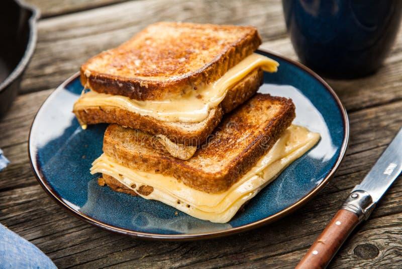 Gegrilltes Käse-Sandwich stockbilder