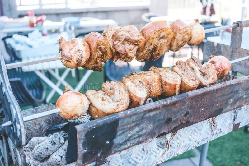 Gegrilltes Schweinefleisch auf dem Ofen stockbild