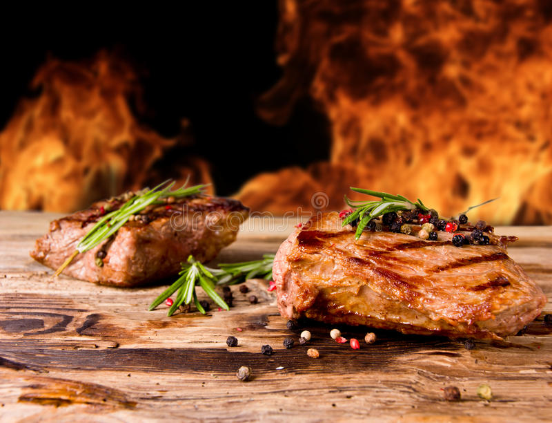Gegrilltes Steak stockbild