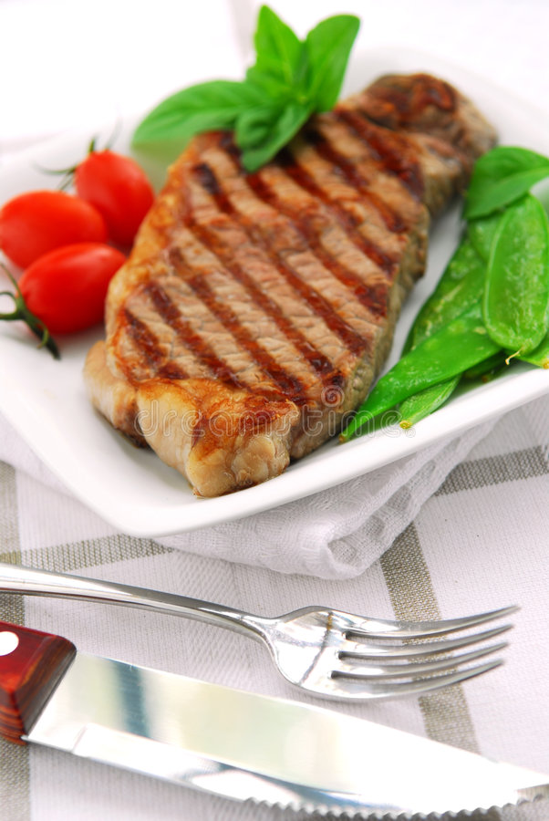 Gegrilltes Steak lizenzfreie stockfotografie