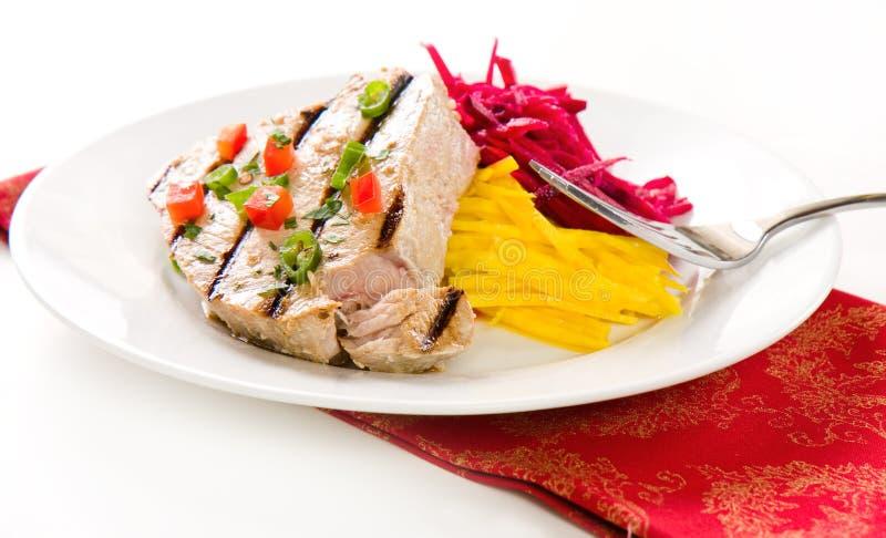 Gegrilltes Thunfisch-Steak lizenzfreie stockfotografie