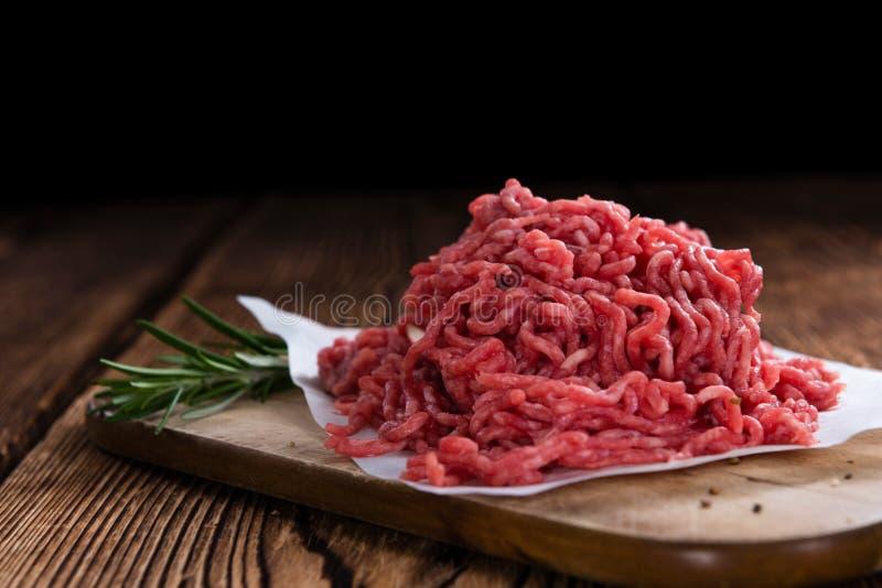 Gehacktes Rindfleisch lizenzfreie stockbilder