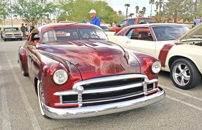 Gehakt & Verminderd Chevy Sedan stock afbeeldingen
