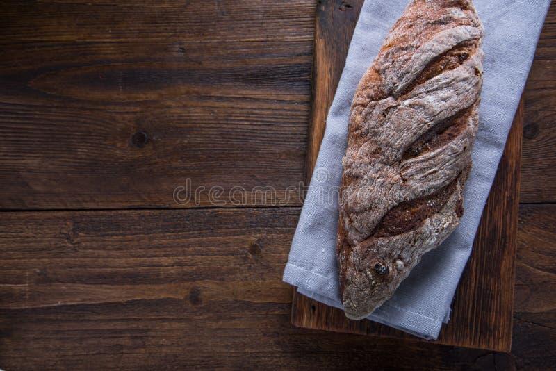 Geheel eigengemaakt broodbrood van hierboven royalty-vrije stock fotografie