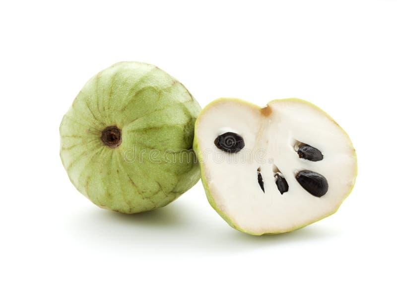 Geheel en half Cherimoya fruit stock afbeelding