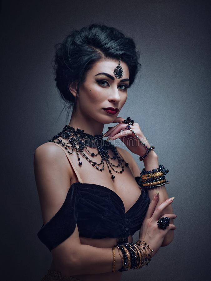Geheim gezicht Mata Hari De danser van de buik stock foto's