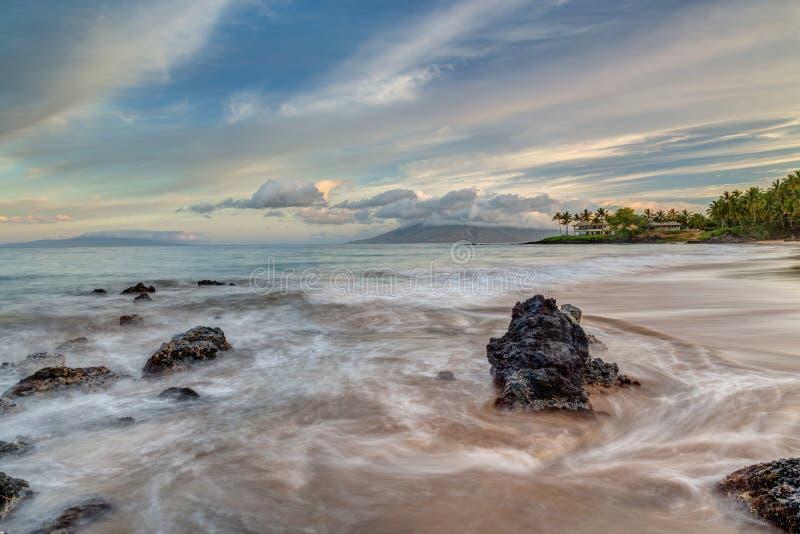 Geheim Strand, Zonsopgang de Zuid- van Maui stock afbeeldingen