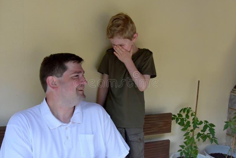 Geheimen met papa stock afbeelding