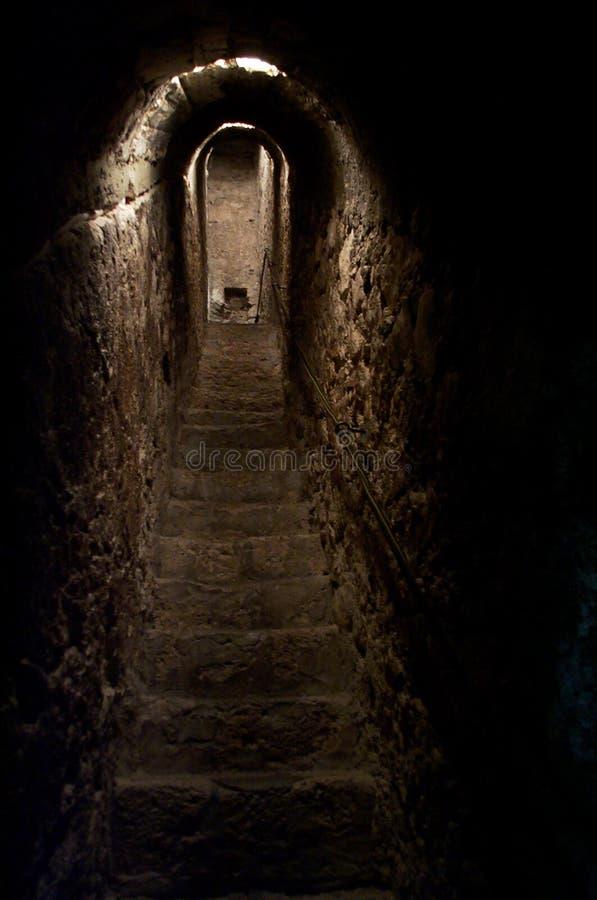 Geheimer Tunnel lizenzfreie stockfotos