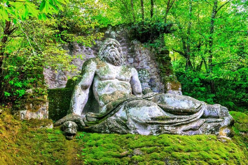 Geheimzinnig park van Monsters van Bomarzo - oriëntatiepunten van Italië stock foto