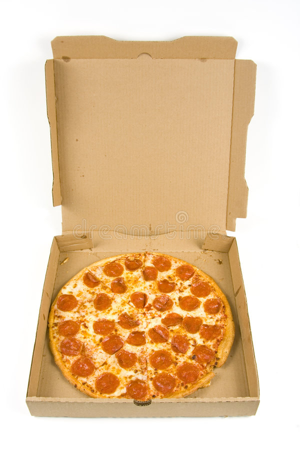 Gehele pepperonispizza in een doos stock afbeeldingen