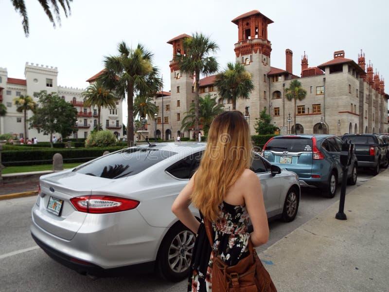 Gehen der Straßen historischen St. Augustine Florida lizenzfreies stockbild